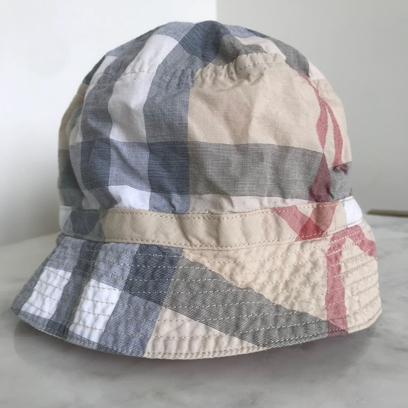 Burberry Other - Burberry infant baby bucket hat fb7f44b4550
